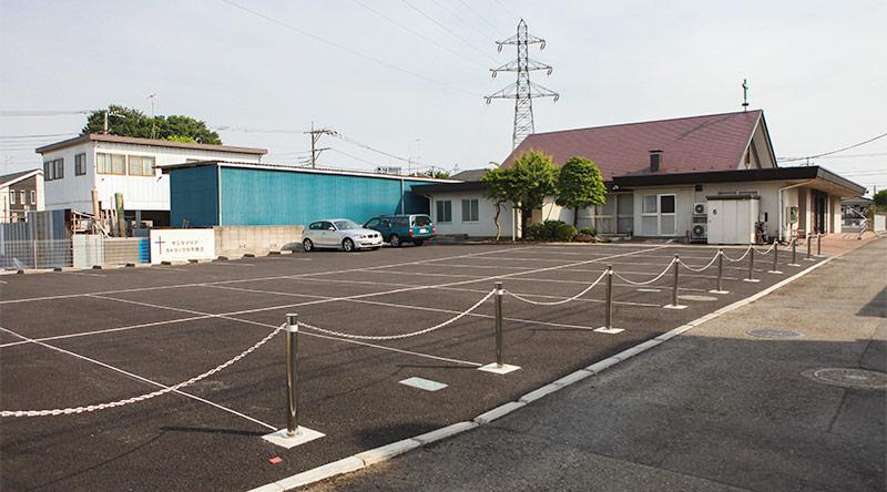 司祭館のあった場所(聖堂北側)は、駐車場として整備された
